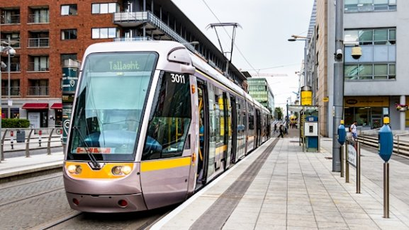 luas parked at stop in dublin city